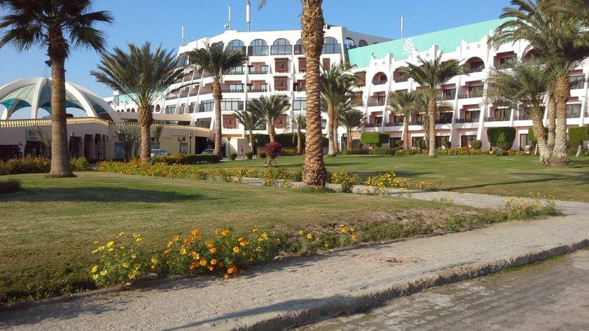 Отель Golden 5 Topaz 4*